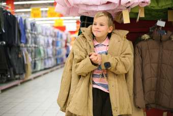 Meeting the challenges of the childrens wear market