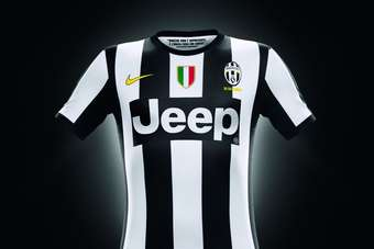 free shipping f2475 a5b4d ITALY/US: Jeep brand to feature on Juventus football shirts ...