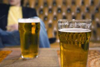 More beer is still sold in the UKs pubs than shops, figures show