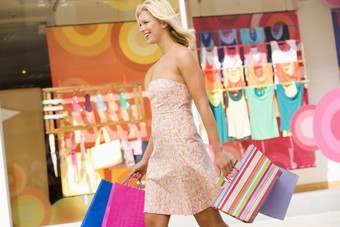June 2011 management briefing: The changing face of clothing retail