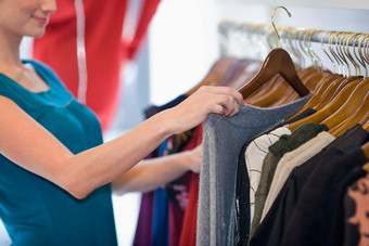 US consumers spent more on clothing in December