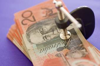 AUS: Supplier profits below international rivals - study