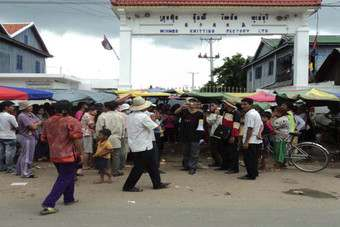 Researchers are warning of more strikes in Cambodias garment industry if short-term contracts continue