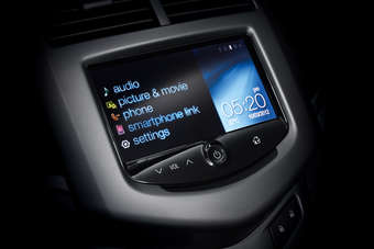 Chevy Mylink Update >> Australia Gm Holden Introduces Mylink And Pandora With