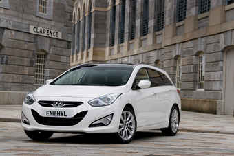i40 replaced Sonata in Europe; is a different car from redesigned Sonata sold elsewhere