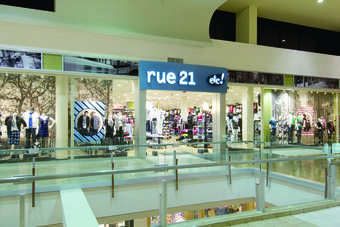 The teen apparel retailer has lifted its full-year adjusted earnings per share to range from $1.83 to $1.86