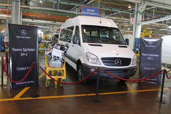 Unit #1 on display in the factory. Most Sprinters sold in Argentina are bus versions