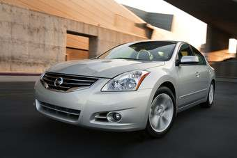 Nissans US-built Altima was the top-selling passenger car in March, edging out both the Toyota Camry and Honda Accord