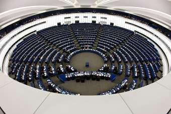 EU: MEPs attack proposed GM food reforms