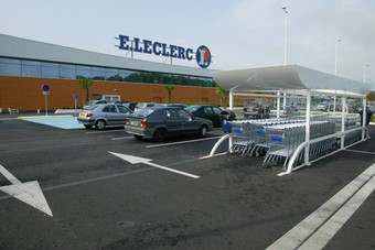 E.Leclerc has entered an agreement to buy some seven hypermarkets from Eroski