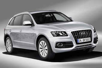 Audi says the hybrid components add 130kg to the Q5 crossover