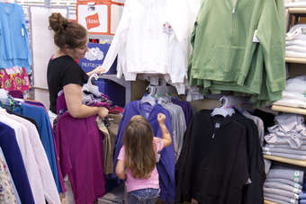 Wal-Mart apparel turnaround efforts gain traction