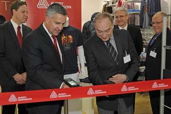 Shawn Neville, Avery Dennison group vice president, Retail Branding and Information Solutions, and Dr Klaus Walterscheid, Lord Mayor of Sprockhoevel, opening the company