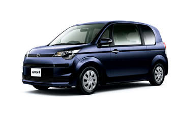 Aisin Seiki has revealed itself as the supplier of sliding electric doors for Toyota's recently launched Porte and Spade Kei-class small cars.