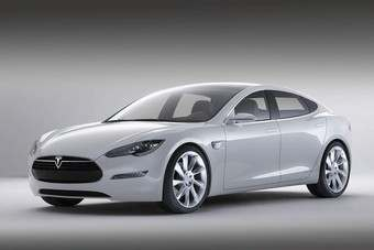 Model S Maserati-esque styling is easy on the eye