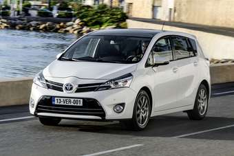 Verso gets new Toyota corporate nose as seen on Auris and RAV4