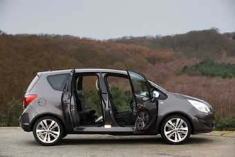 90-degree opening rear-hinged back doors are a Meriva segment exclusive for now