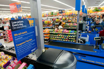 Wal-Marts EDLP strategy is under scrutiny