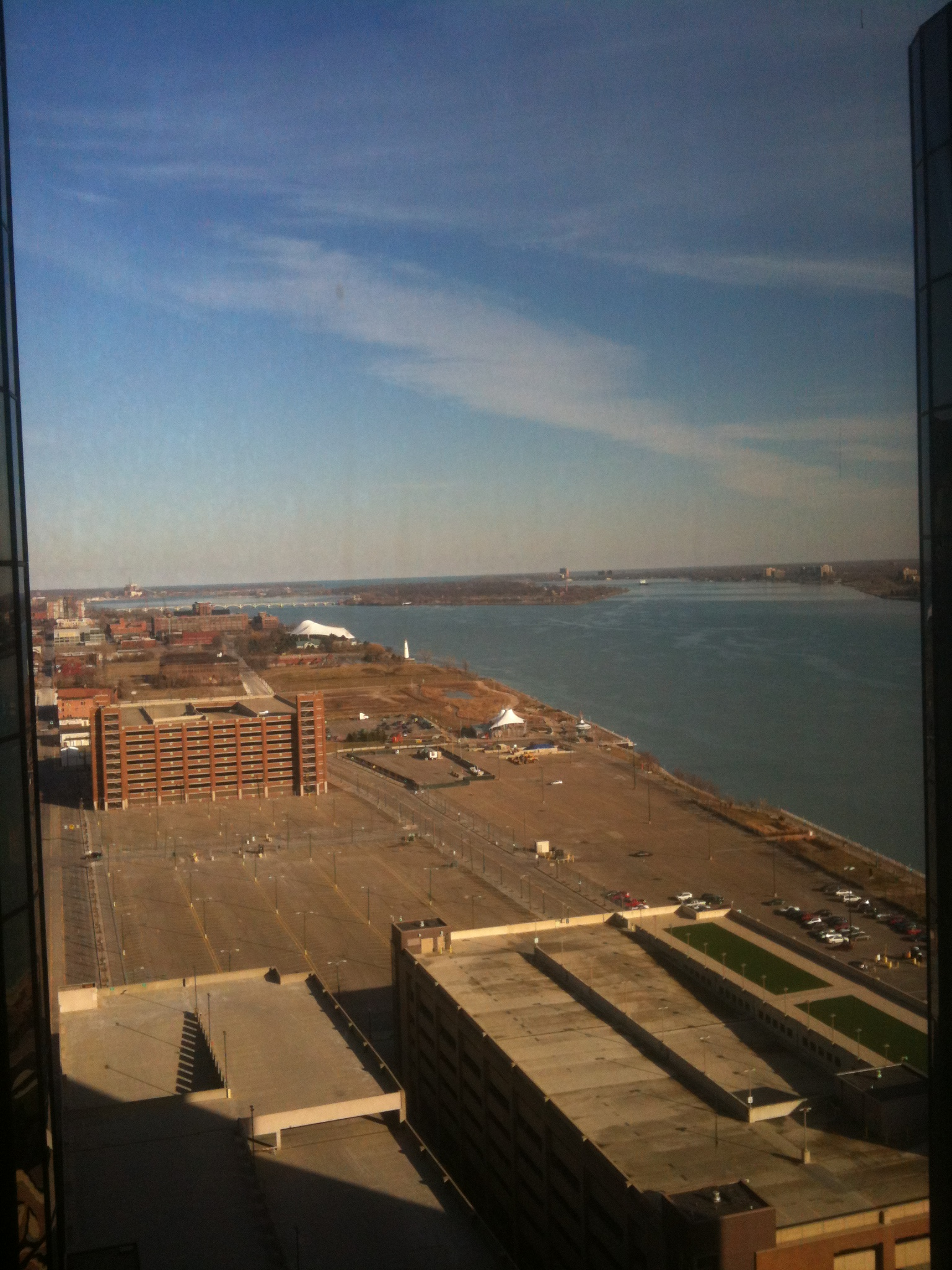 And this way it's the Detroit river with Windsor, Ontario to the far right - in Canada