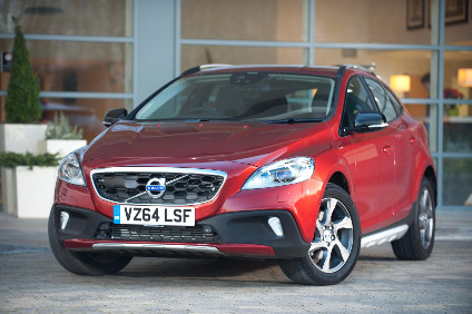 V40CC offers a full suite of Volvo's in-house Drive-E I4 engines