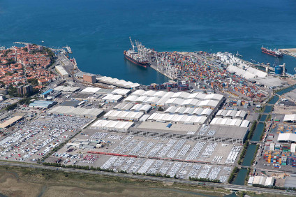 "A nine-month long labour dispute in 2014 saw congestion at US West Coast ports reach ""breaking point"""