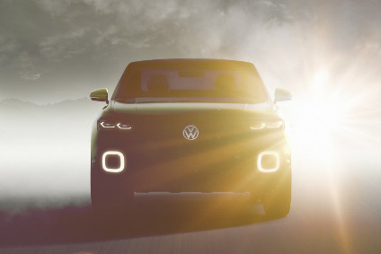 Four years after GMs Mokka debuted at Geneva, VW will soon reveal...yet another design study for an eventual rival
