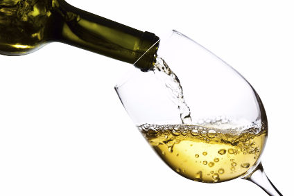 Prosecco sales outstrip sluggish Champagne in UK - figures