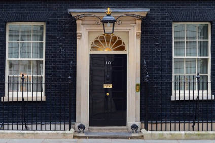 Conservatives appear favourites to occupy Number 10 beyond 2020