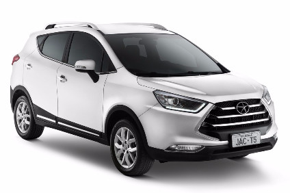 Chinas SUV segment is growing with many domestic carmakers launching mid to upper market models. This JAC T5 is available in CKD kit form and will soon be assembled in Brazil