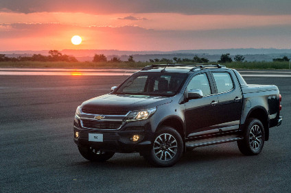 New Toyota Hilux has knocked GMs Chevrolet S10 off its 21-year segment leadership perch. Cue a facelift