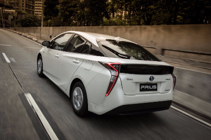 Recall is of new fourth generation Prius. There is uncertainty over reported deaths/injuries. Park lock in transmission should stop car if park brake fails provided Park position is selected before exiting the car