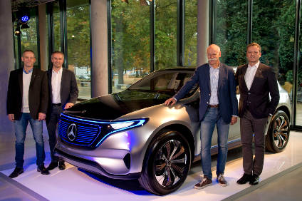Dr. Dieter Zetsche (CEO of Daimler AG and Head of Mercedes Benz Cars, 2nd from right), Markus Schäfer (Member of the Divisional Board of Mercedes-Benz Cars, Production and Supply Chain Management, right), Peter Theurer (Site Manager of the Mercedes-Benz Bremen plant, 2nd from left) and Michael Peters (Chairman of the works council Mercedes-Benz Bremen plant, left ) with the EQ-show car, which was presented at Mondial de l'Automobile 2016 in Paris