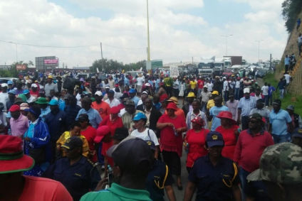 Unions and social movements march in Maseru for a return to the rule of law