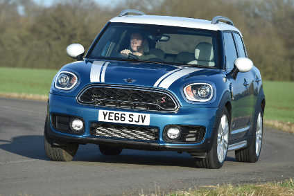 Mini Goes After Qashqai With New F60 Countryman Automotive
