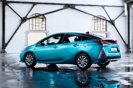 And So Round Two Of Prius Plug In A Much Improved Longer Range More Distinctive Fully Redesigned Model Dripping With New Technology Yet I M Left