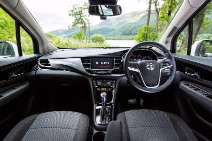 Interior design and technology - Vauxhall Mokka X   Automotive