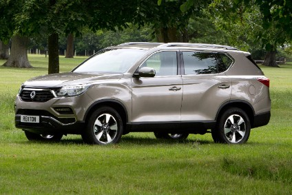 4,850mm long Rexton looks like a larger version of the B segment Tivoli