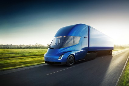Teslas Semi truck has a range of up to 500 miles