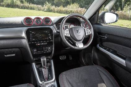 Interior design and technology – Suzuki Vitara ...