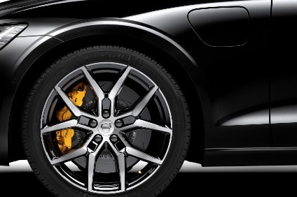 Polestar Engineered-specification Volvos have gold Brembo brake calipers