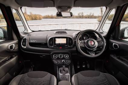 Fiat 500L: Updated Interior With The Latest Generation Of Infotainment And  Connectivity.