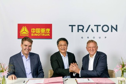 Traton and Sinotruk executives announce the JV expansion