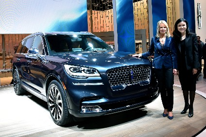 Ford Wants To Dodge Chinese Tariffs On Us Built Vehicles Imposed As A Result Of President Donald Trump S Trade War By Sding Plans Build Luxury