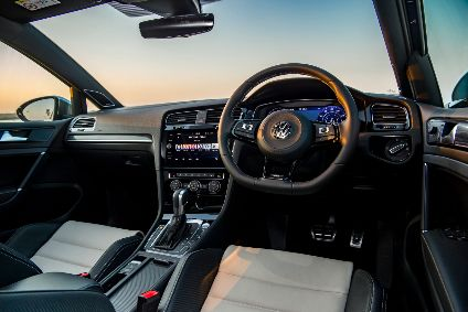 Interior Design And Technology Vw Golf Automotive Industry Analysis Just Auto