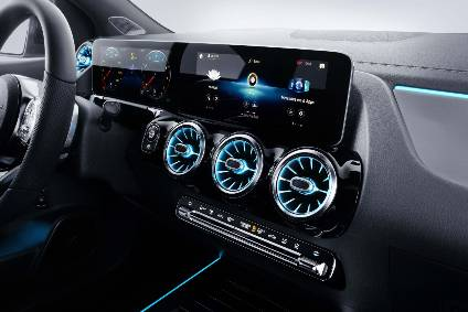 Mercedes Benz Interior >> Interior Design And Technology Mercedes Benz B Class