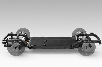 Canoo skateboard integrates as much of an EV as possible into the platform using a minimum of components