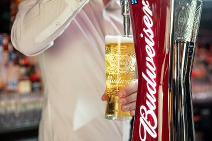 Anheuser-Busch InBev readies twist-off cap for Budweiser in global overhaul