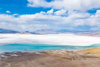 The salt lake Salar del Hombre Muerto in northern Argentina from which BMWs new supplier extracts lithium