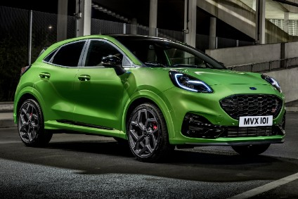 ST is powered by a turbocharged 1.5-litre three-cylinder engine which produces 147 kW (200 PS) and 320 Nm (236 lb ft)
