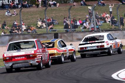 Behind closed doors – but not out of sight: 2021 Donington Historic Festival races to be live streamed – May 1 & 2